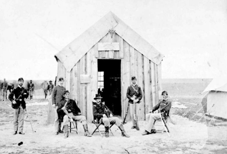 Officers_at_Fort_Wallace