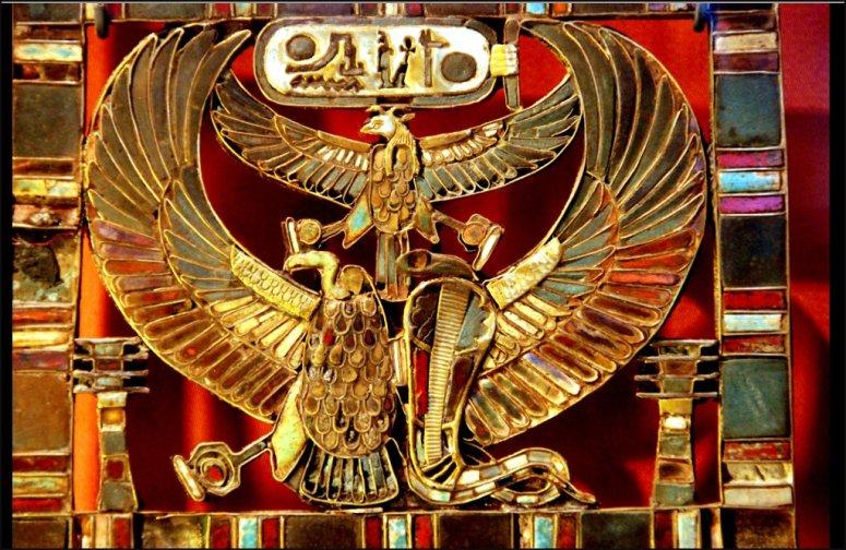 Khaemwaset's_tomb_treasure_(Serapeum)
